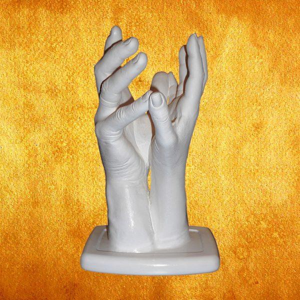 Слепки рук влюбленных 2