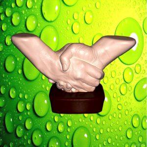 Зліпки рук - Рукостискання на підставці - 3D | Студія зліпків Київ